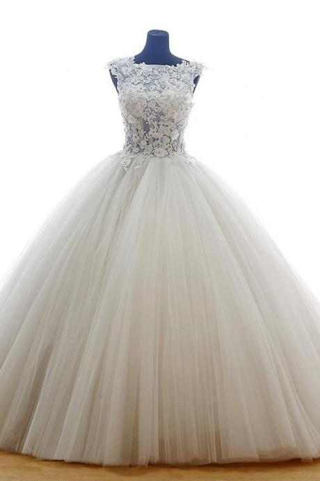 Sleeveless Tulle Floor-length Ball Gown with Lace Appliqué Bodice and Ball Gown Silhouette